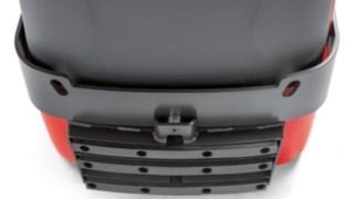 Die Frontstoßstange des P40 - P60 C von Linde Material Handling schützt den Fahrer im Falle eines Zusammenstoßes.