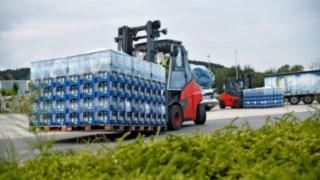 E-Truck auf dem Gelände von Mineralquellen Wüllner in Bielefeld.